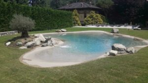 arredo giardino con piscina